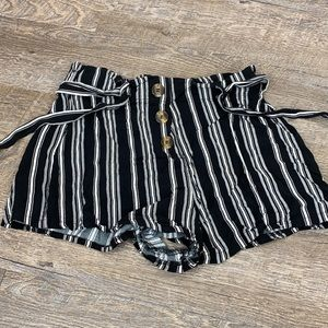 justify Large black and white stripe shorts